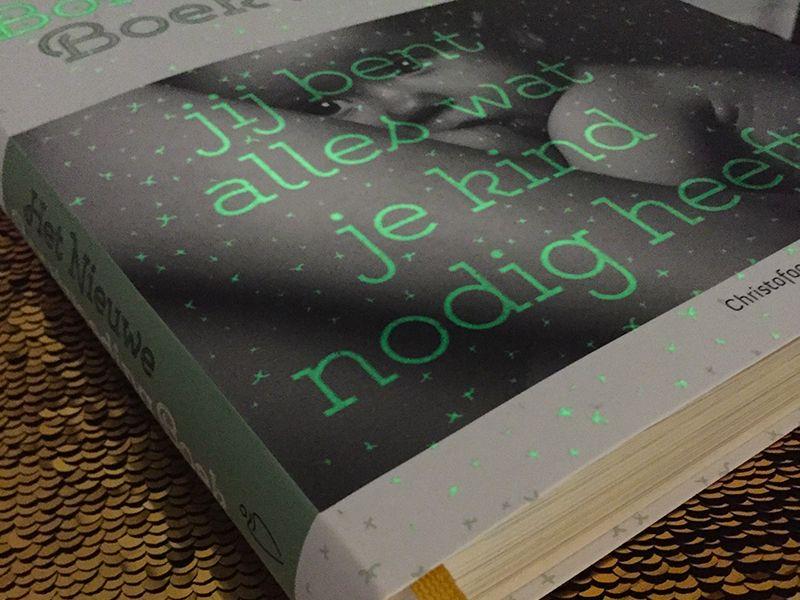 Het Nieuwe Borstvoeding Boek glow in the dark