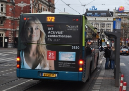 Acuvue bus